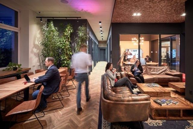 Wynajem biura w Łodzi – jak znaleźć idealne biuro i zaoszczędzić?